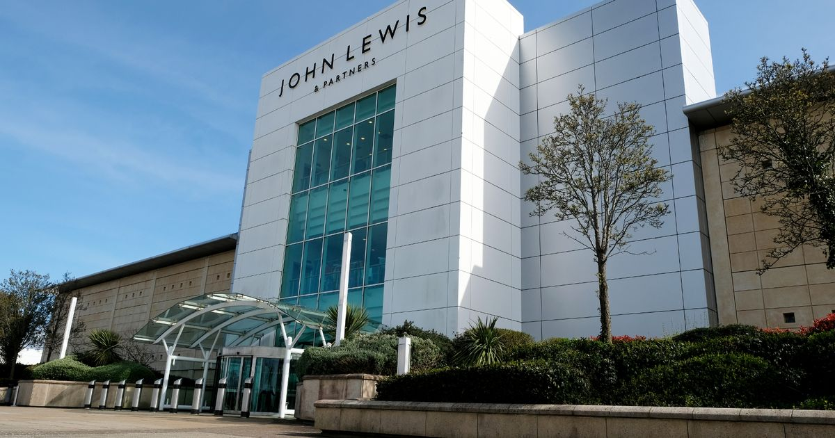 , Coronavirus: Only two shops remain open at the Mall Cribbs Causeway