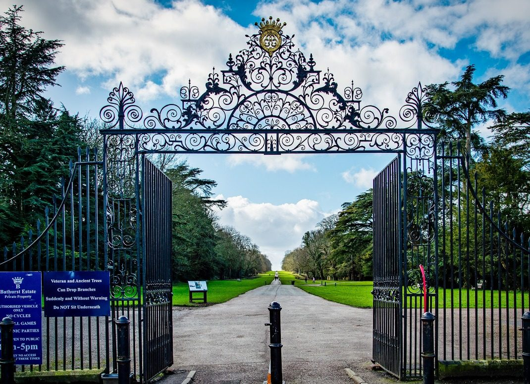 , Plans to charge tourists for entry to Cirencester Park